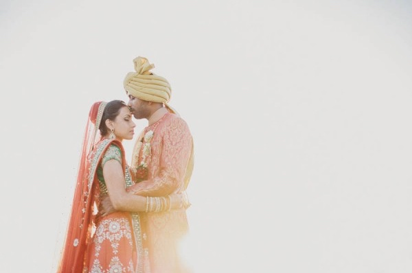 The 5 Step Guide to Planning a Modern Wedding - Lover Of Mine Photography via Junebug Weddings - The Maharani Diaries