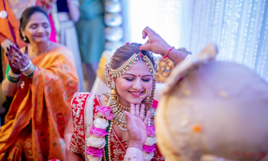 Traditional Gujarati Wedding in India's City Of Dreams - Pooja and Dhaval