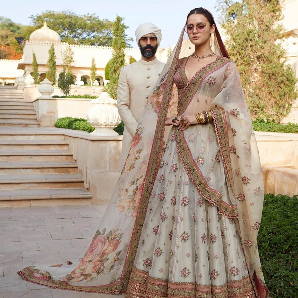 10 Bridal Lehenga Designs for Every Style of Indian Wedding_Sabyasachi Bridal Resort Collection