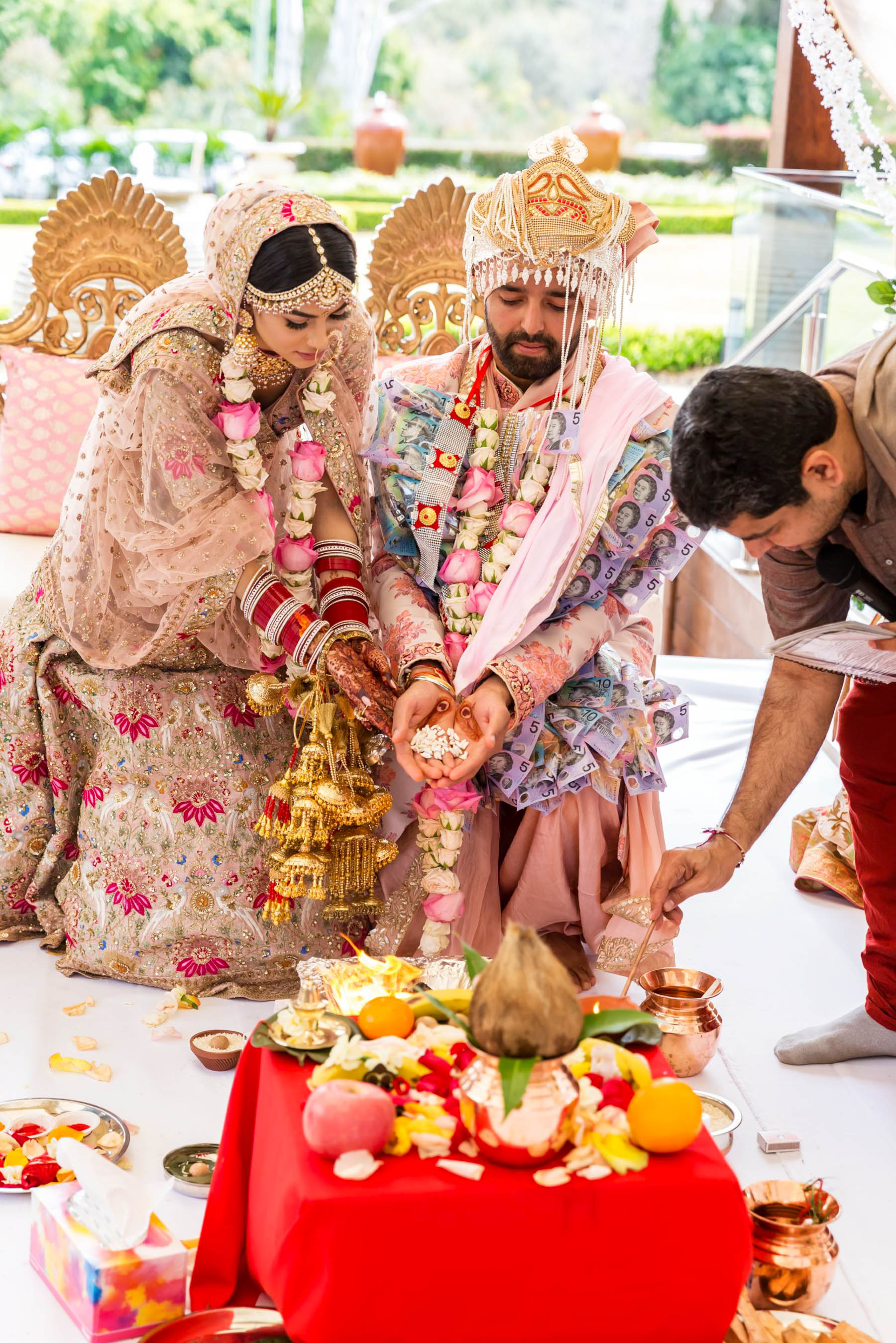 Glam Punjabi Wedding in Sydney Featuring A Stunning Mandap_Myura and Bharat