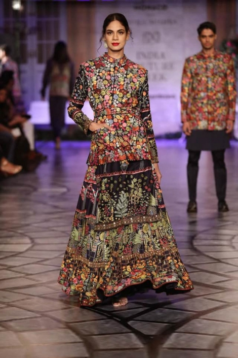 The hottest Indian bridal fashion trends. Rahul Mishra for India Couture Week 2019.