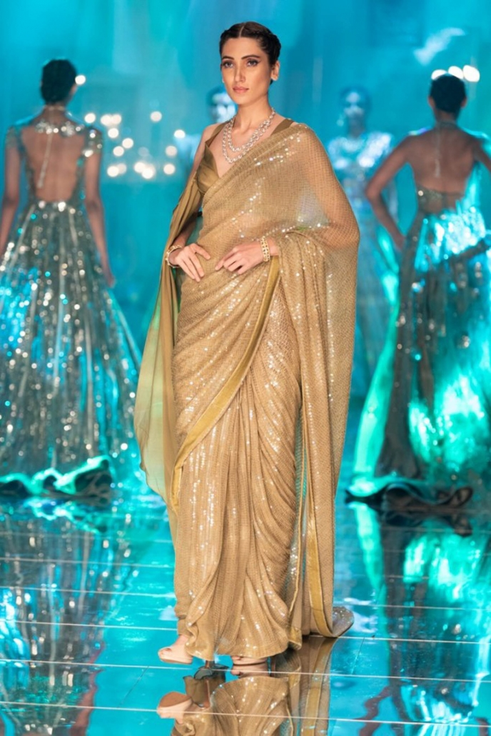 The hottest Indian bridal fashion trends for 2020 includes the humble saree. WIth thanks to ace Bollywood fashion designer, Manish Malhotra.