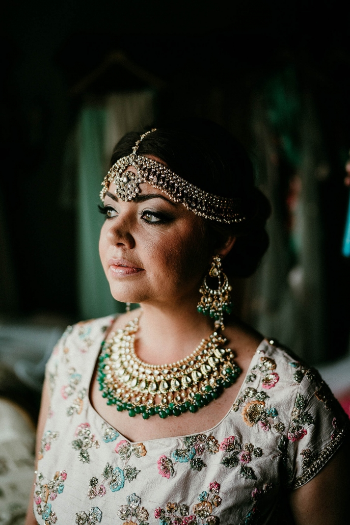 Bride, Lindsay sourced all her Indian bridal wear and jewellery from suppliers in Delhi.