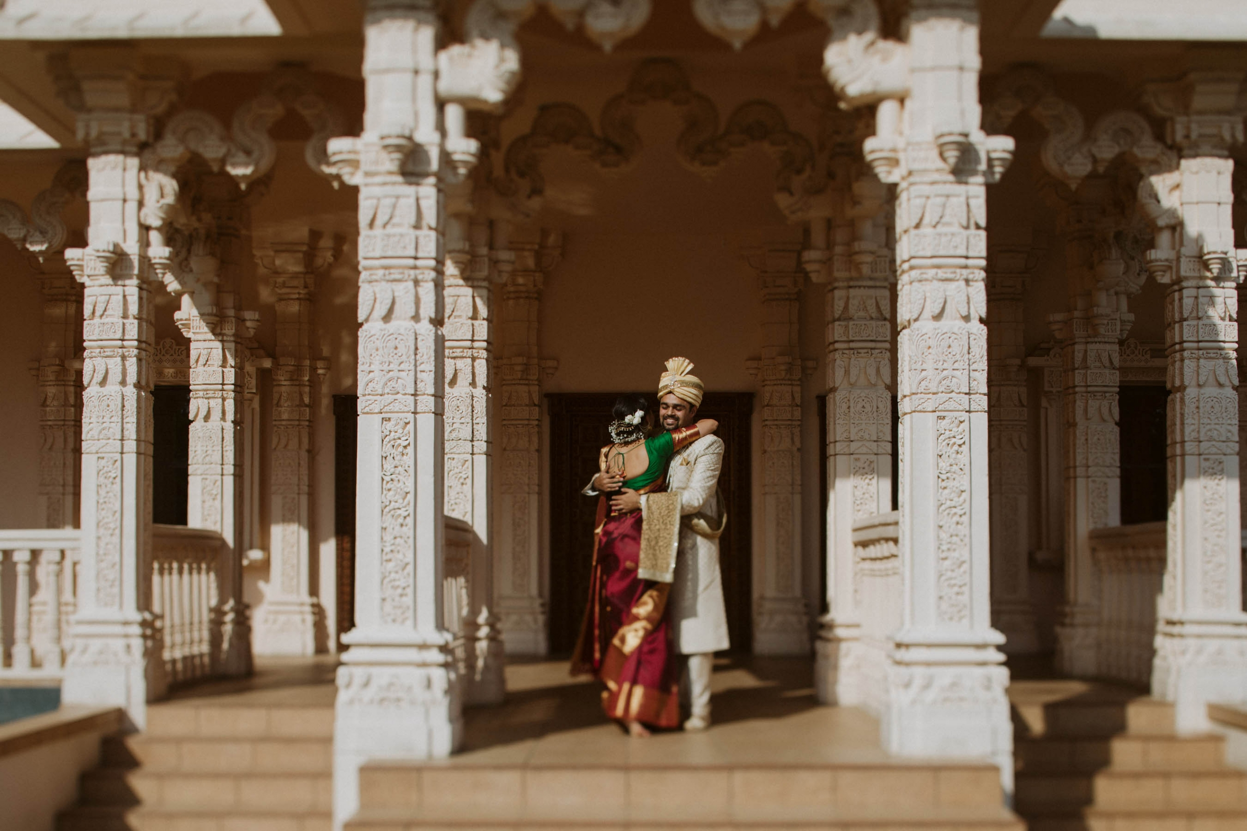 Shilpa and Shakti's stunning traditional south Indian wedding took place in Auckland, New Zealand at the BAPS Swaminarayan Mandir