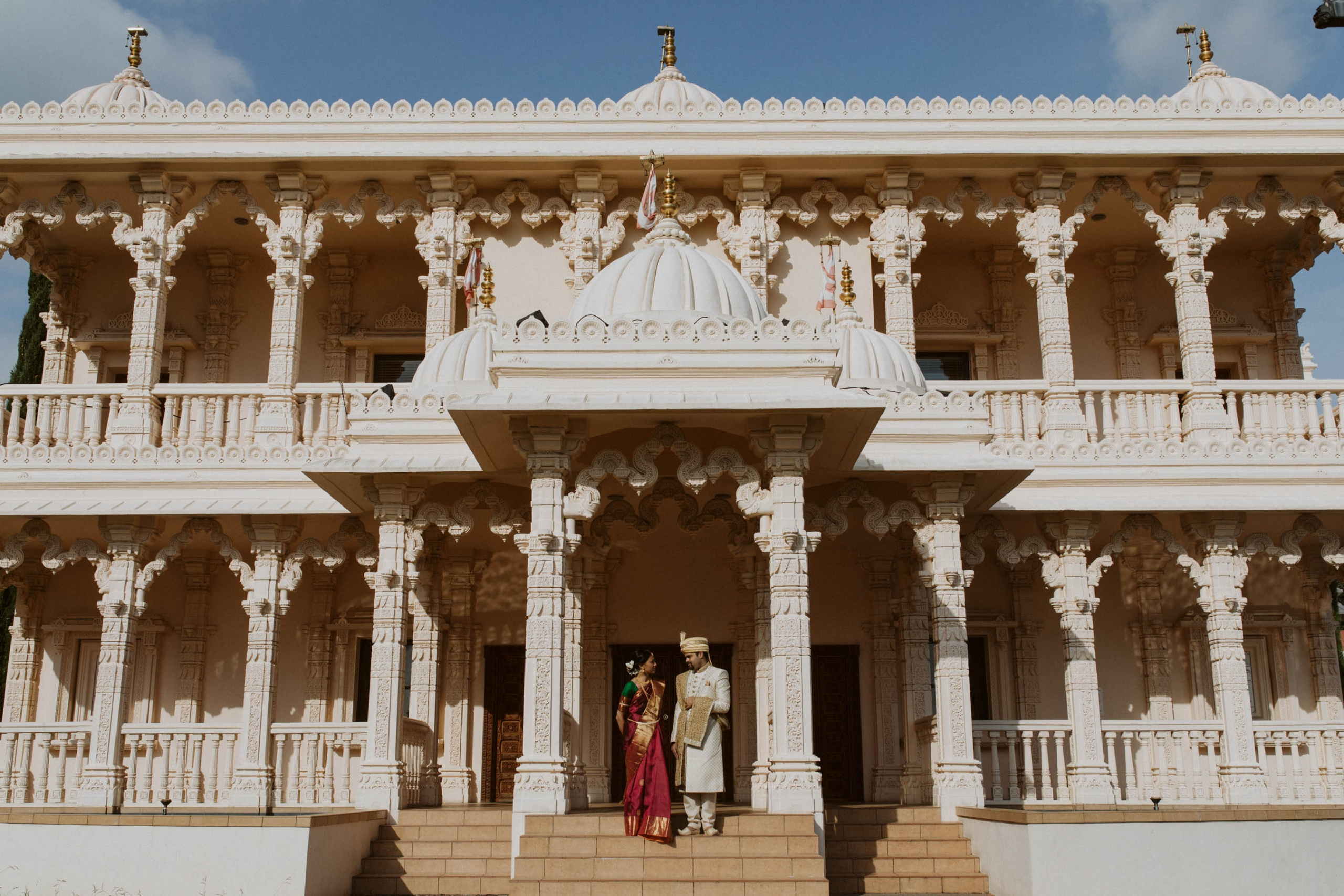Shilpa and Shakti's stunning traditional Indian wedding took place in Auckland, New Zealand at the BAPS Swaminarayan Mandir