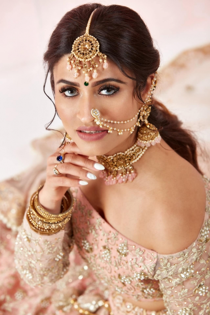 Brisbane based, Indian bridal hair and makeup artist, Bhawna Mmahajan services brides across the whole of Australia.