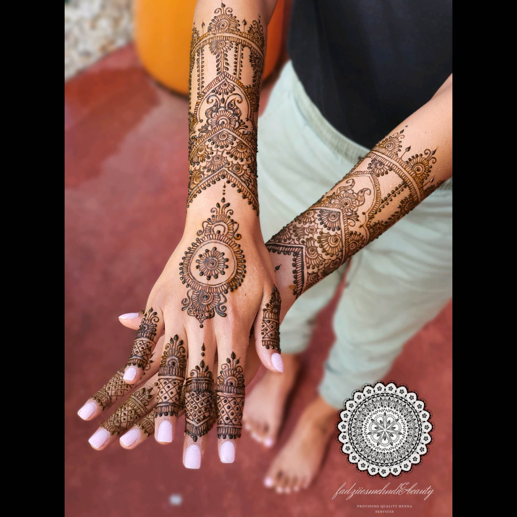 Professional Melbourne bridal henna and makeup artist, Fadziies Mehndi And Beauty was the official mehndi artist of Vini Raman on her engagement. Photography was captured by wedding photographer, Shevan J Photography.
