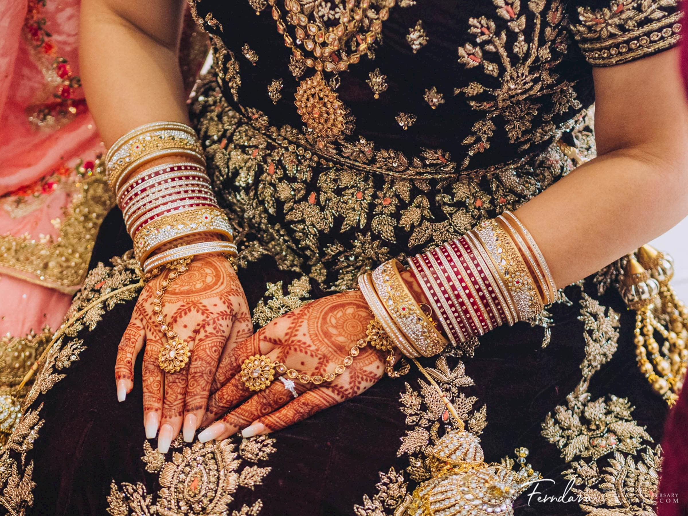 Introducing Melbourne Bridal Henna and Makeup Artist Faadhilah Buksh of Fadziies Mehndi And Beauty. Fadziie is an experienced mehndi artist who is open to travelling all across Australia for Indian weddings. Check out this henna stain!