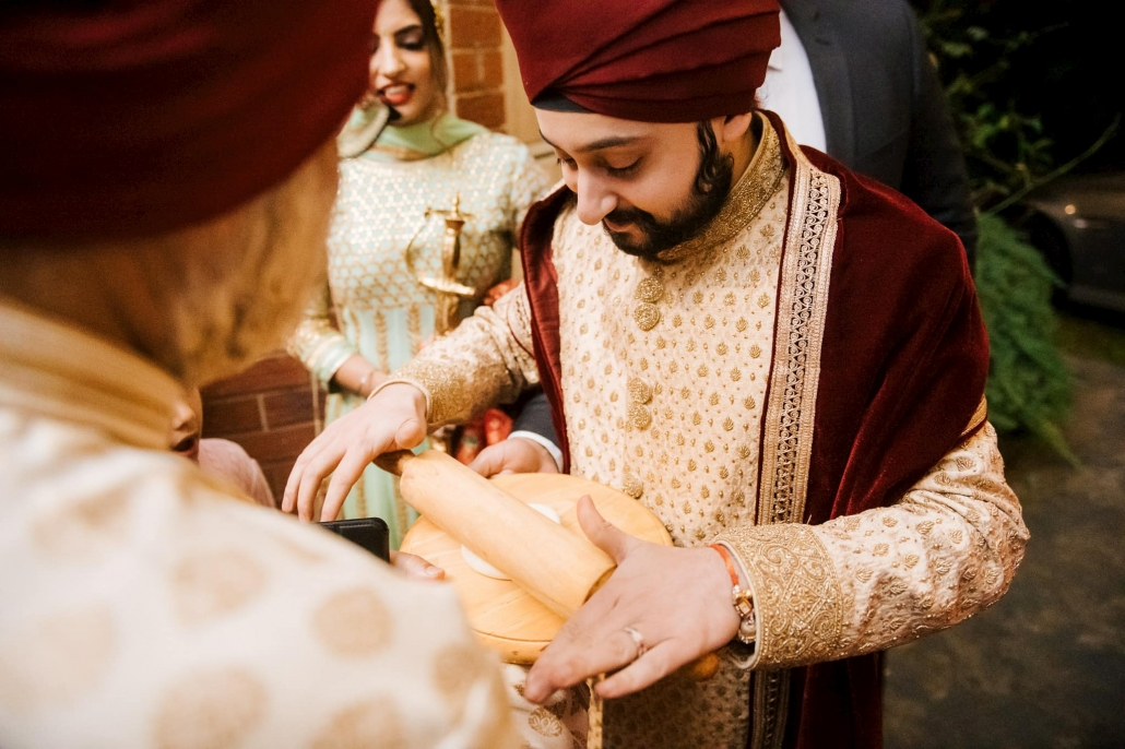 Melbourne groom and founder of Enigmatic Entertainment, Anmol at his Sikh wedding celebration at the Blackburn Gurdwara. Go behind the scenes of his wedding only on The Maharani Diaries.